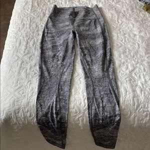 Lululemon size 4 leggings - Grey